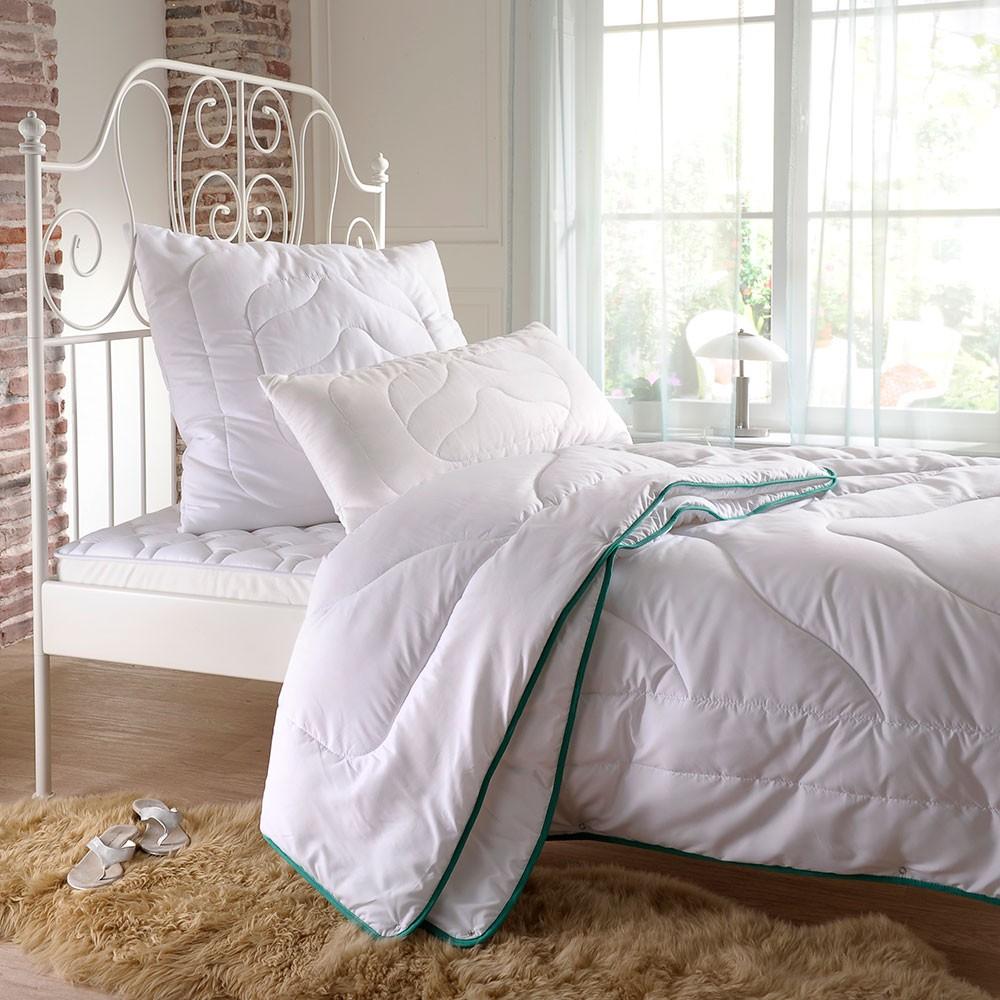 bettwarenshop 4 jahreszeiten bettenset cool touch g nstig online kaufen bei bettwaren shop. Black Bedroom Furniture Sets. Home Design Ideas