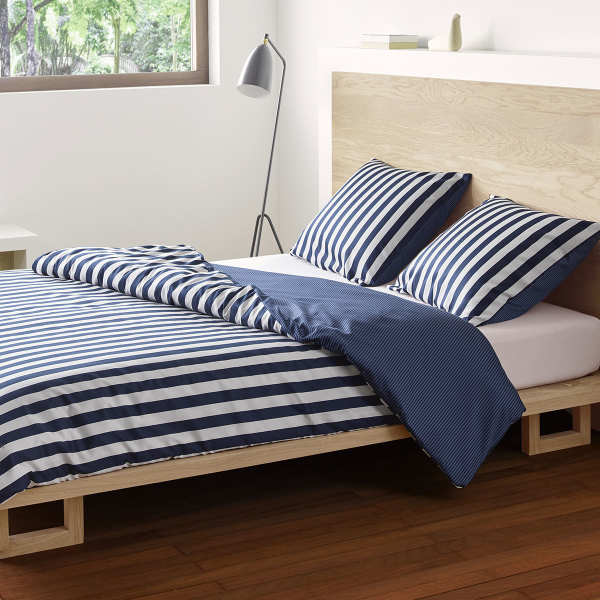 marc o polo bettw sche classic stripe indigo blue g nstig online kaufen bei bettwaren shop. Black Bedroom Furniture Sets. Home Design Ideas