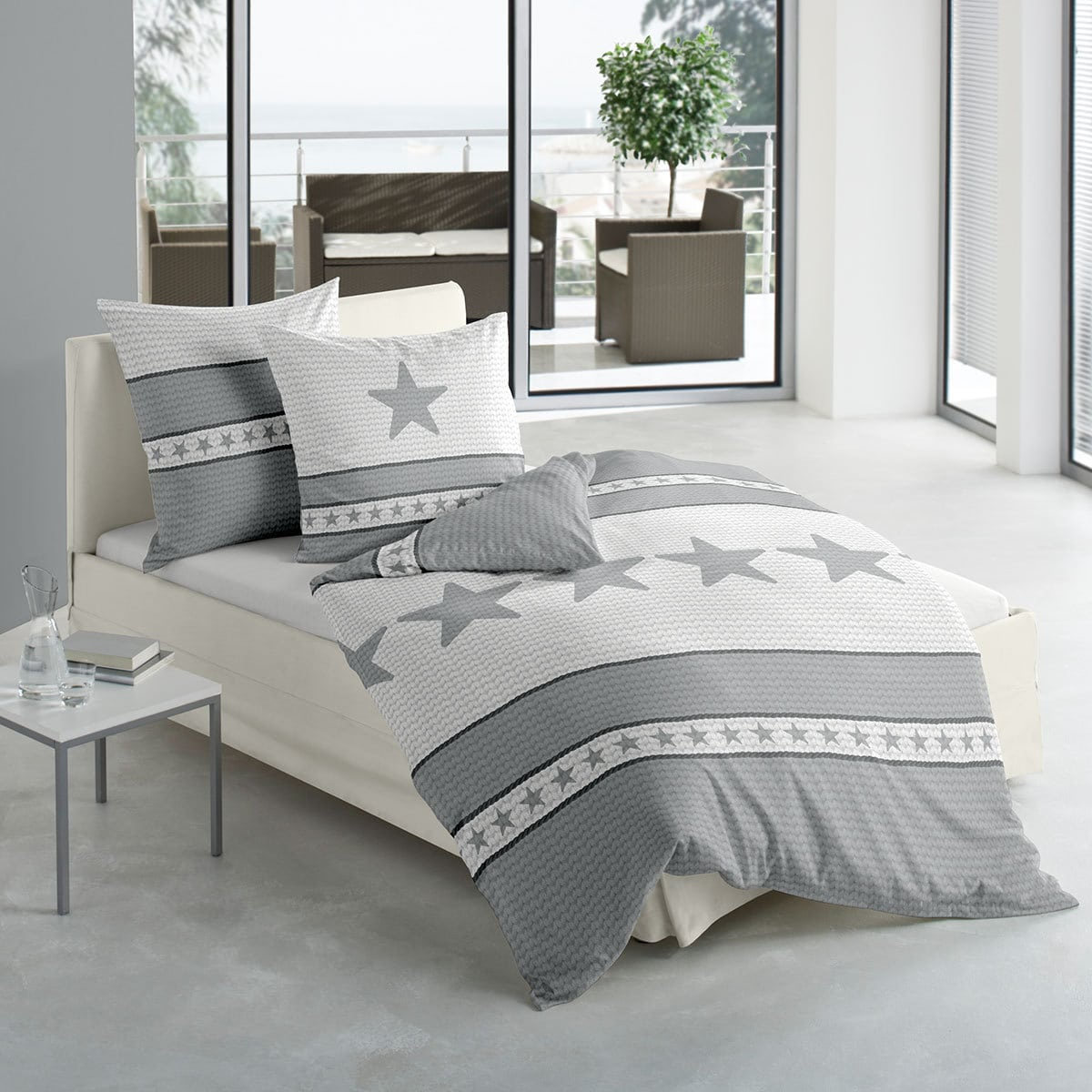 traumschlaf biber bettw sche star grau g nstig online kaufen bei bettwaren shop. Black Bedroom Furniture Sets. Home Design Ideas