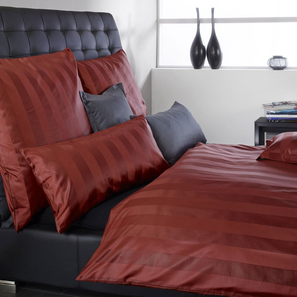 curt bauer damast bettw sche como rot g nstig online kaufen bei bettwaren shop. Black Bedroom Furniture Sets. Home Design Ideas