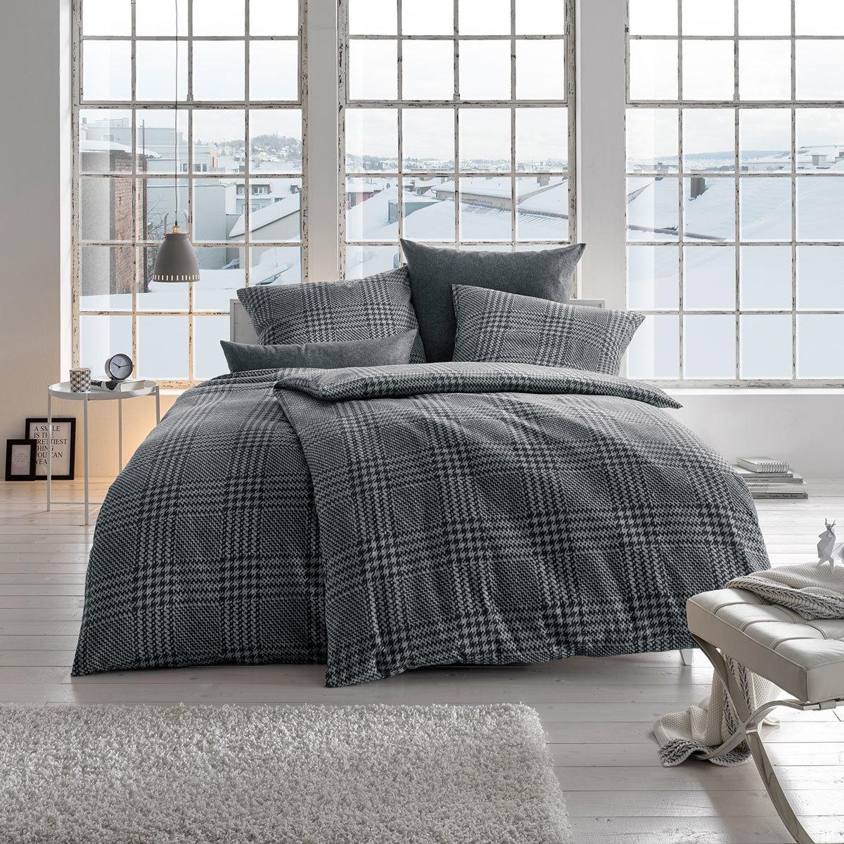 fleuresse edelflanell bettw sche hahnentritt schwarz g nstig online kaufen bei bettwaren shop. Black Bedroom Furniture Sets. Home Design Ideas