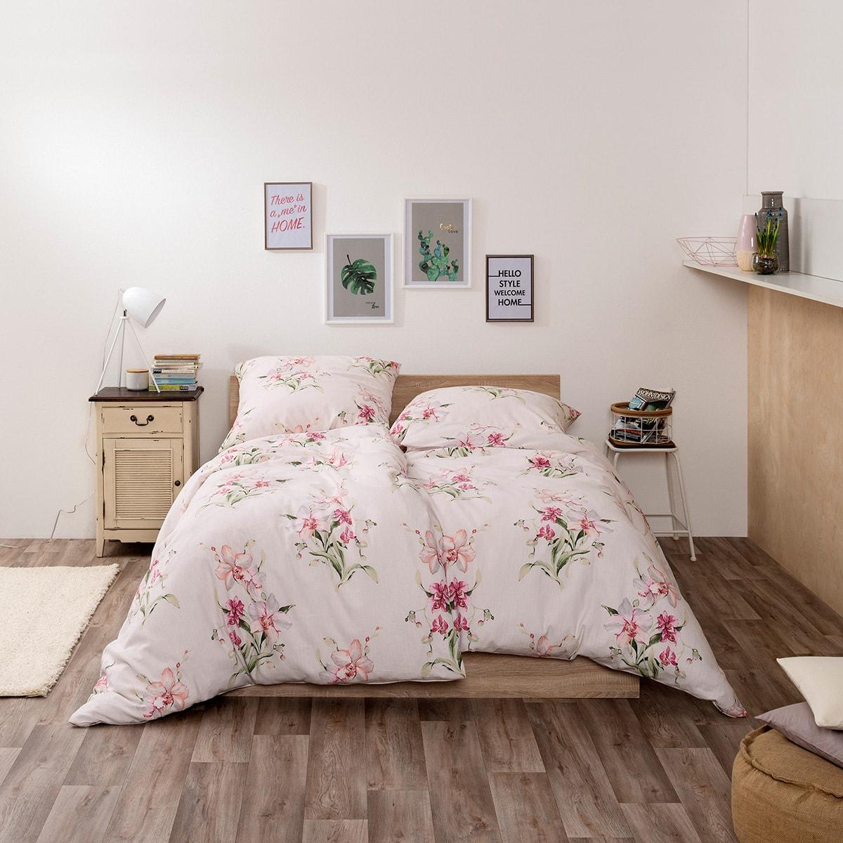 bettdecke herz falten lattenroste 5 cm bettw sche grau t rkis schlafzimmer mit boxspringbetten. Black Bedroom Furniture Sets. Home Design Ideas