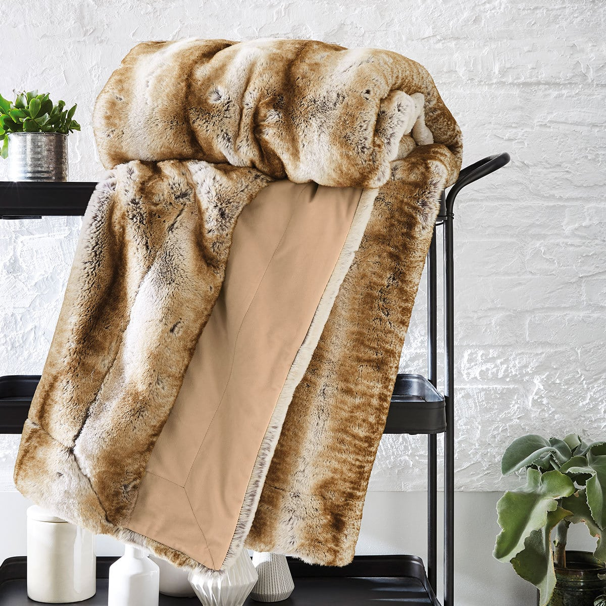 bugatti felldecke zobel braun gestreift g nstig online kaufen bei bettwaren shop. Black Bedroom Furniture Sets. Home Design Ideas