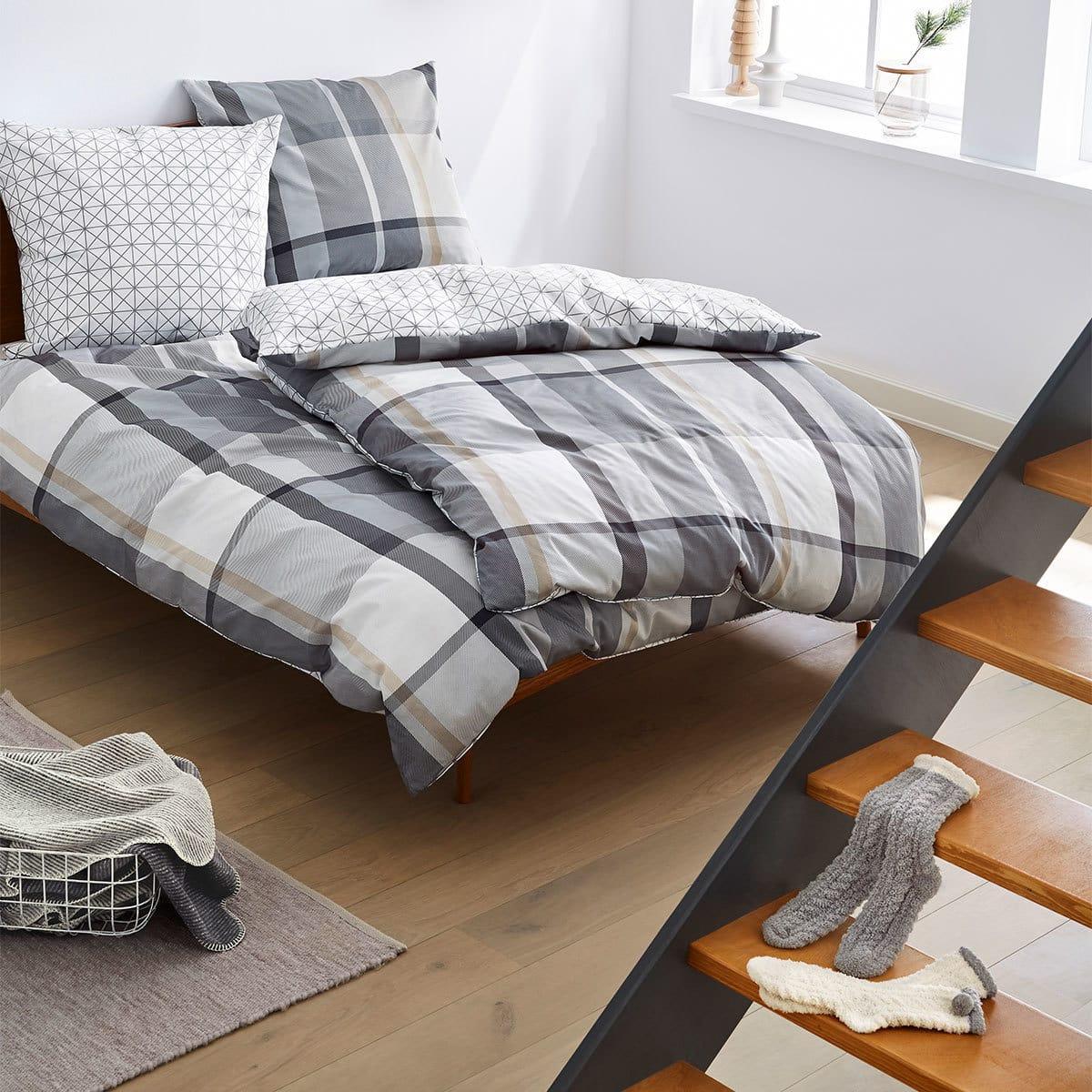 s oliver flanellbettw sche geschenkset 6 tlg mit socken. Black Bedroom Furniture Sets. Home Design Ideas