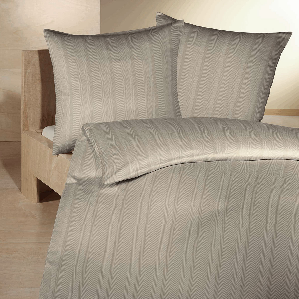 fleuresse mako brokat damast bettw sche jade 453556 8033 g nstig online kaufen bei bettwaren shop. Black Bedroom Furniture Sets. Home Design Ideas
