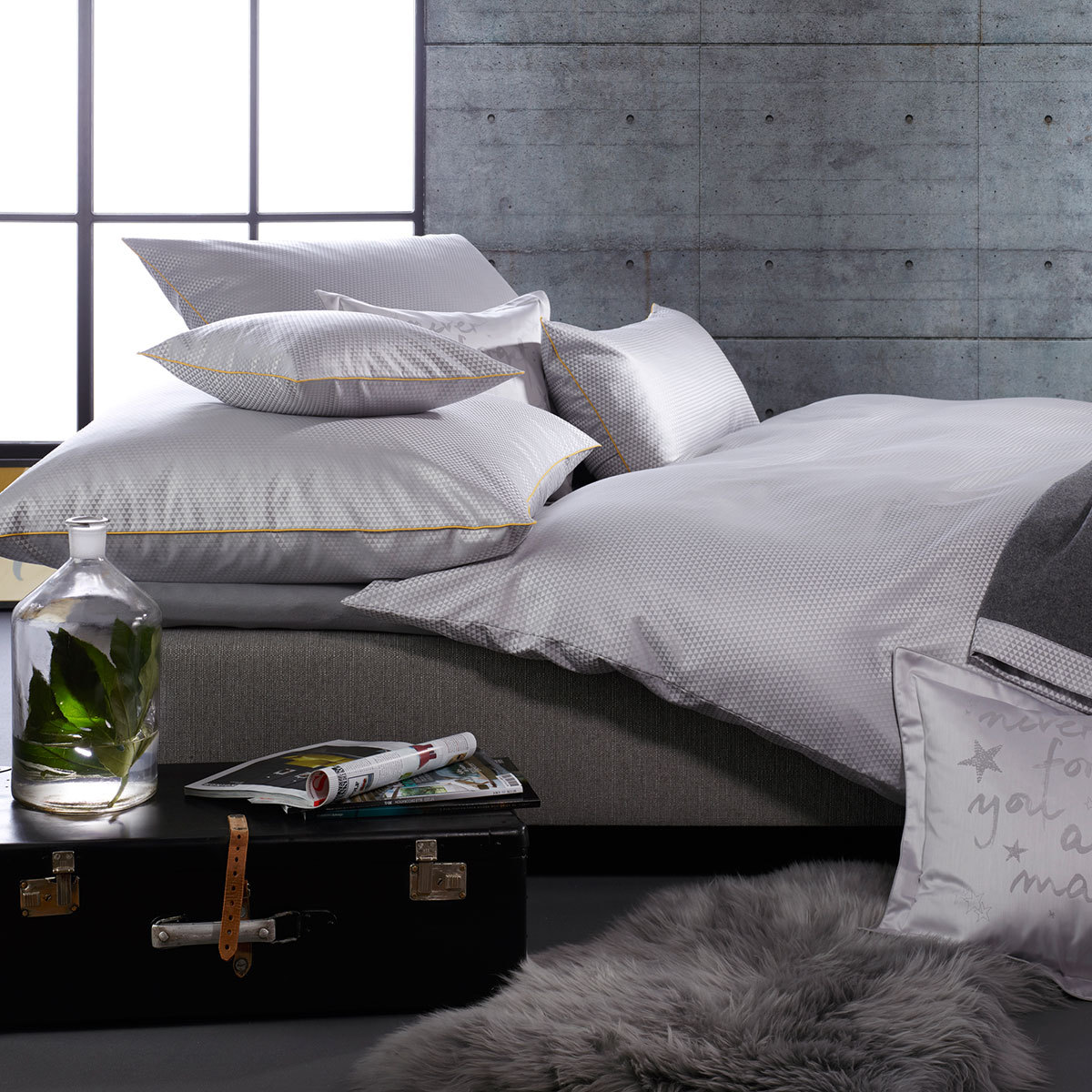 curt bauer mako brokat damast bettw sche maris perlgrau g nstig online kaufen bei bettwaren shop. Black Bedroom Furniture Sets. Home Design Ideas