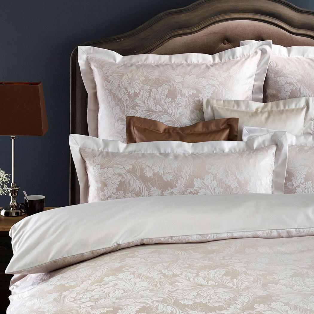 curt bauer mako brokat damast wendebettw sche akanthus sand g nstig online kaufen bei bettwaren shop. Black Bedroom Furniture Sets. Home Design Ideas