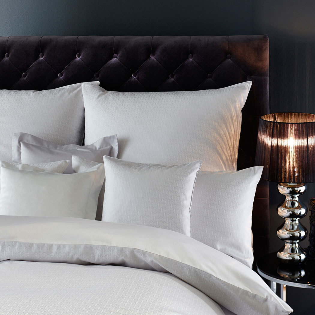 curt bauer mako brokat damast wendebettw sche pavoni kreide g nstig online kaufen bei bettwaren shop. Black Bedroom Furniture Sets. Home Design Ideas