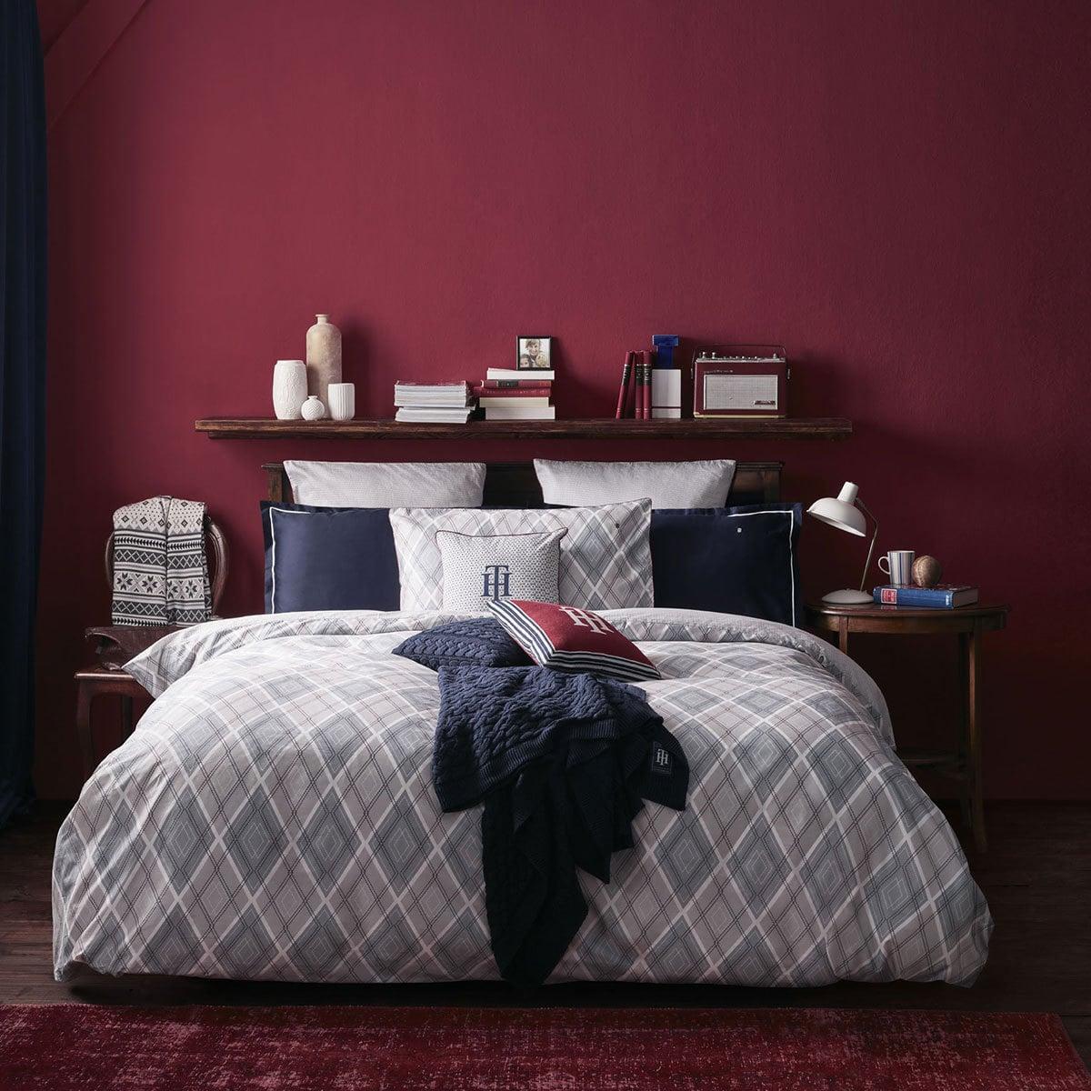 tommy hilfiger mako satin bettw sche alternative g nstig online kaufen bei bettwaren shop. Black Bedroom Furniture Sets. Home Design Ideas