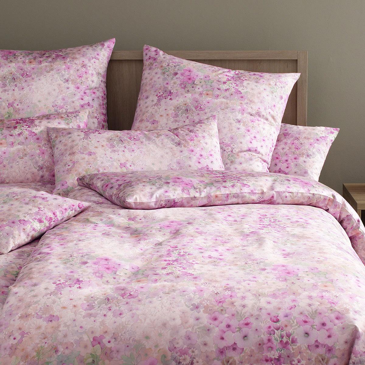 elegante mako satin bettw sche fiori flieder g nstig online kaufen bei bettwaren shop. Black Bedroom Furniture Sets. Home Design Ideas