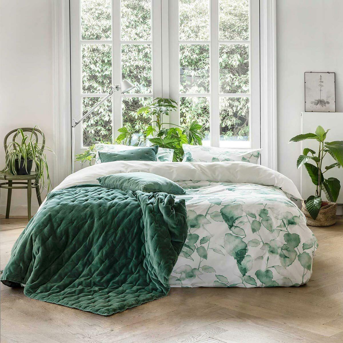 Walra Mako-Satin Bettwäsche Green Leaves weiß