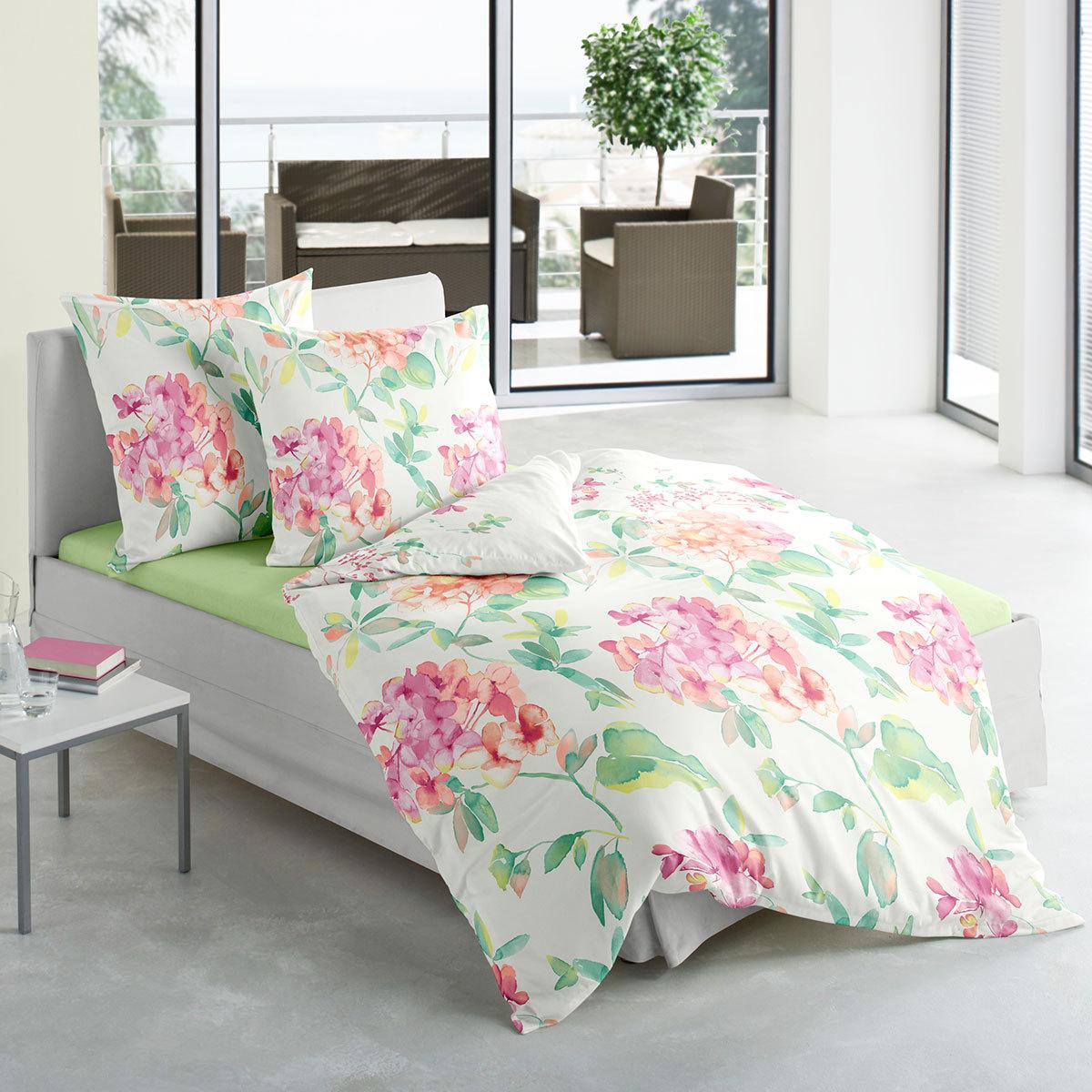 traumschlaf mako satin bettw sche hortensie g nstig online kaufen bei bettwaren shop. Black Bedroom Furniture Sets. Home Design Ideas
