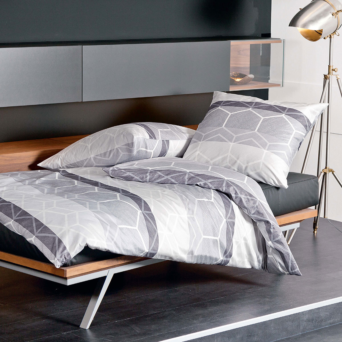 janine mako satin bettw sche moments 98017 08 g nstig online kaufen bei bettwaren shop. Black Bedroom Furniture Sets. Home Design Ideas