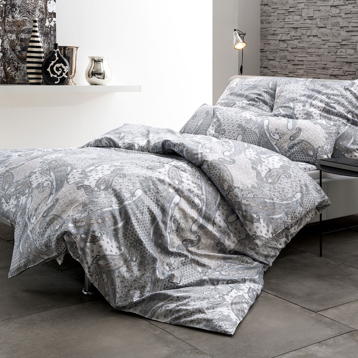 estella mako satin bettw sche simona silber g nstig online kaufen bei bettwaren shop. Black Bedroom Furniture Sets. Home Design Ideas