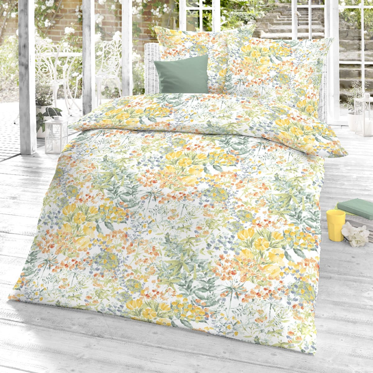 schlafgut mako satin bettw sche summergarden sunshine sonja kratzer. Black Bedroom Furniture Sets. Home Design Ideas