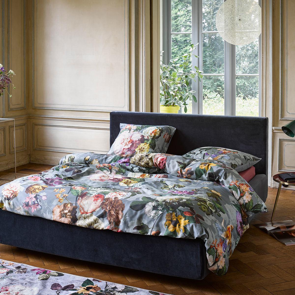 essenza mako satin wendebettw sche fleur faded blue g nstig online kaufen bei bettwaren shop. Black Bedroom Furniture Sets. Home Design Ideas