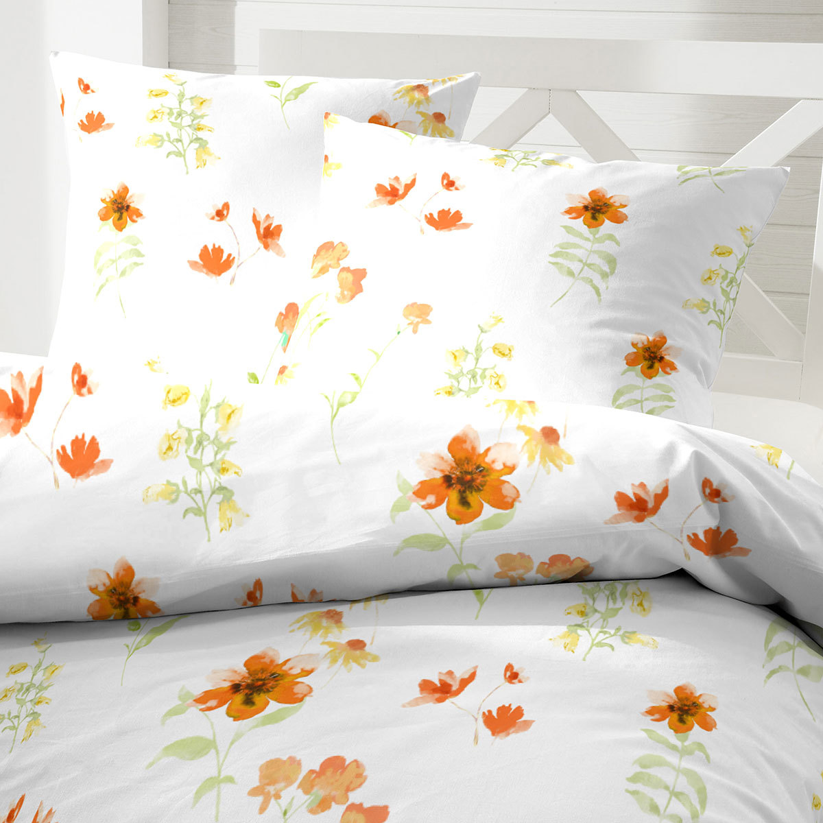 hahn mikrofaser seersucker bettw sche flowers orange g nstig online kaufen bei bettwaren shop. Black Bedroom Furniture Sets. Home Design Ideas