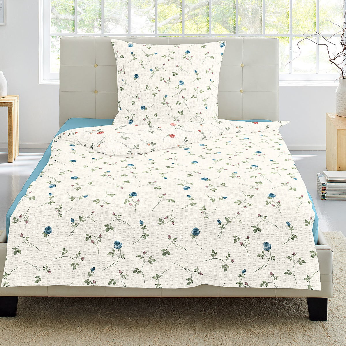 irisette seersucker bettw sche flower blau g nstig online kaufen bei bettwaren shop. Black Bedroom Furniture Sets. Home Design Ideas
