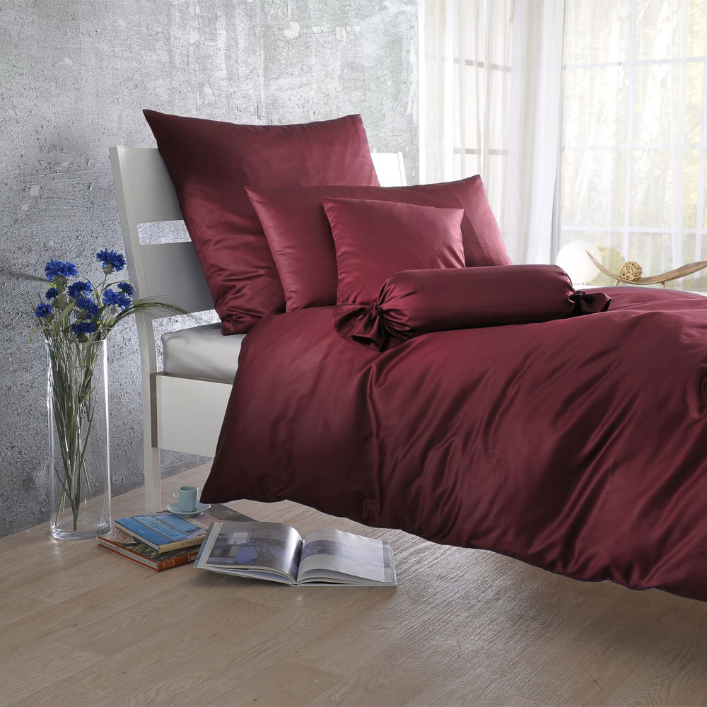 bettwarenshop uni mako satin bettw sche bordeaux g nstig online kaufen bei bettwaren shop. Black Bedroom Furniture Sets. Home Design Ideas