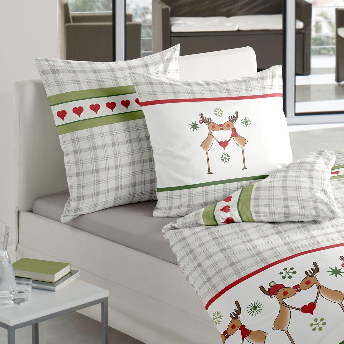 traumschlaf biber bettw sche rentiere gr n g nstig online kaufen bei bettwaren shop. Black Bedroom Furniture Sets. Home Design Ideas