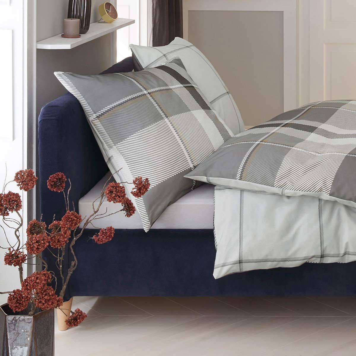 s oliver feinflanell bettw sche 6134 870 g nstig online kaufen bei bettwaren shop. Black Bedroom Furniture Sets. Home Design Ideas