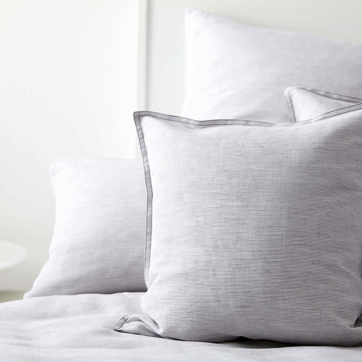 elegante halbleinen bettw sche beach hellgrau g nstig online kaufen bei bettwaren shop. Black Bedroom Furniture Sets. Home Design Ideas