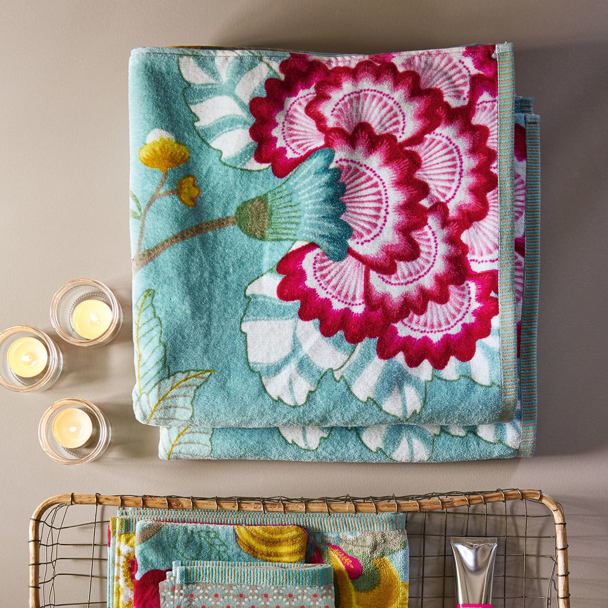 pip studio handt cher floral fantasy white g nstig online kaufen bei bettwaren shop. Black Bedroom Furniture Sets. Home Design Ideas
