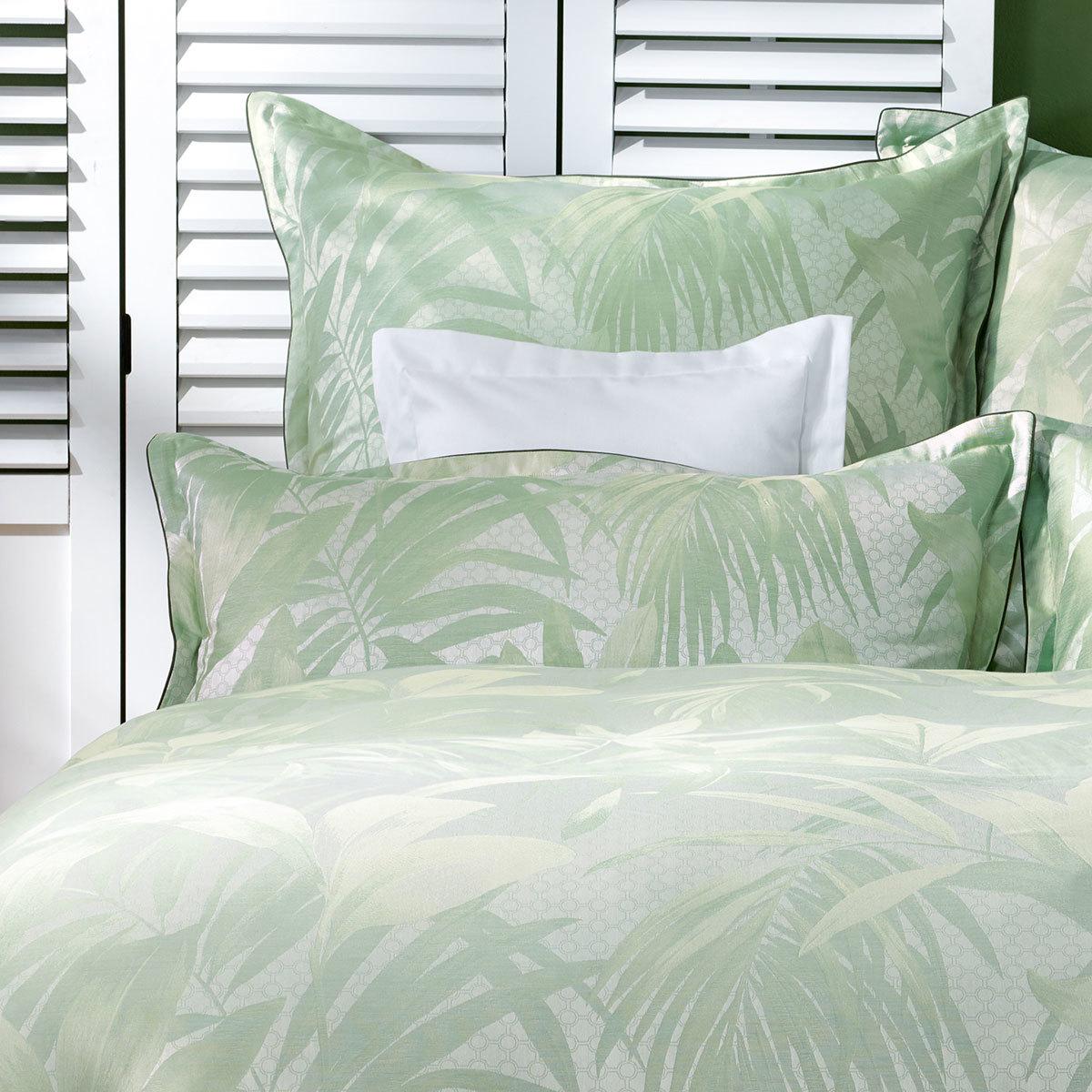 curt bauer mako brokat damast bettw sche cannes gr n g nstig online kaufen bei bettwaren shop. Black Bedroom Furniture Sets. Home Design Ideas