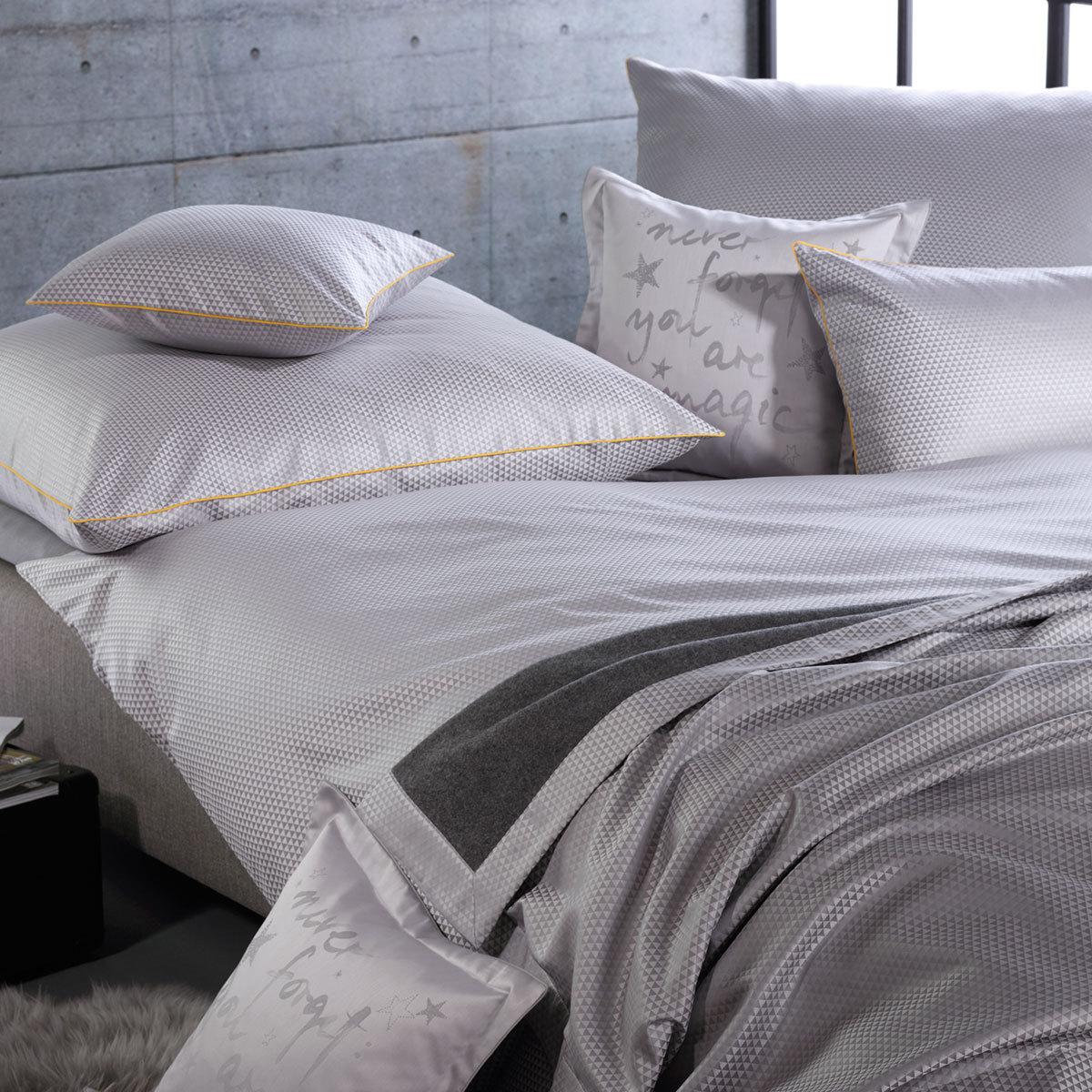 curt bauer mako brokat damast bettw sche maris perlgrau g nstig online kaufen bei bettwaren shop. Black Bedroom Furniture Sets. Home Design Ideas