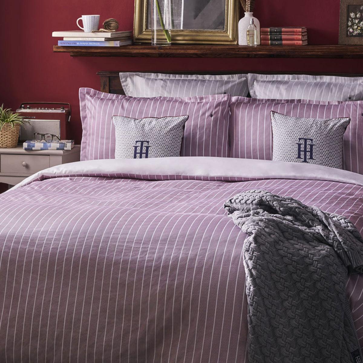 tommy hilfiger mako satin bettw sche gestreift bordeaux g nstig online kaufen bei bettwaren shop. Black Bedroom Furniture Sets. Home Design Ideas