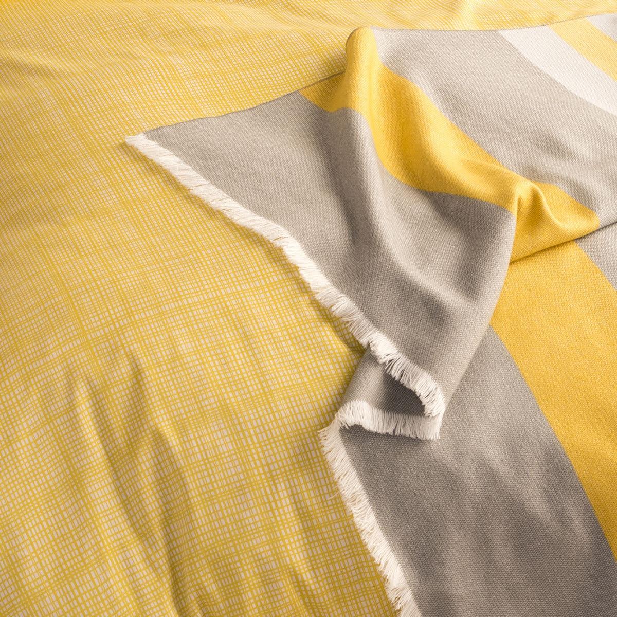 sch ner wohnen mako satin bettw sche web gelb grau g nstig online kaufen bei bettwaren shop. Black Bedroom Furniture Sets. Home Design Ideas