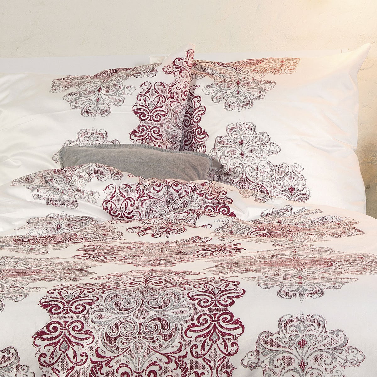ibena mako satin bettw sche zeitgeist ornamente g nstig online kaufen bei bettwaren shop. Black Bedroom Furniture Sets. Home Design Ideas