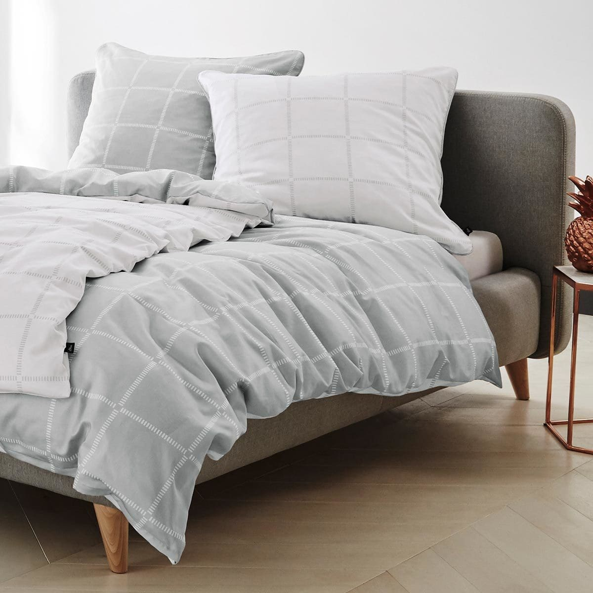 s oliver mako satin wendebettw sche black label silber. Black Bedroom Furniture Sets. Home Design Ideas