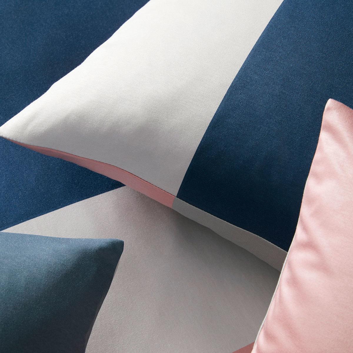 elegante jersey bettw sche bold rose blau g nstig online kaufen bei bettwaren shop. Black Bedroom Furniture Sets. Home Design Ideas