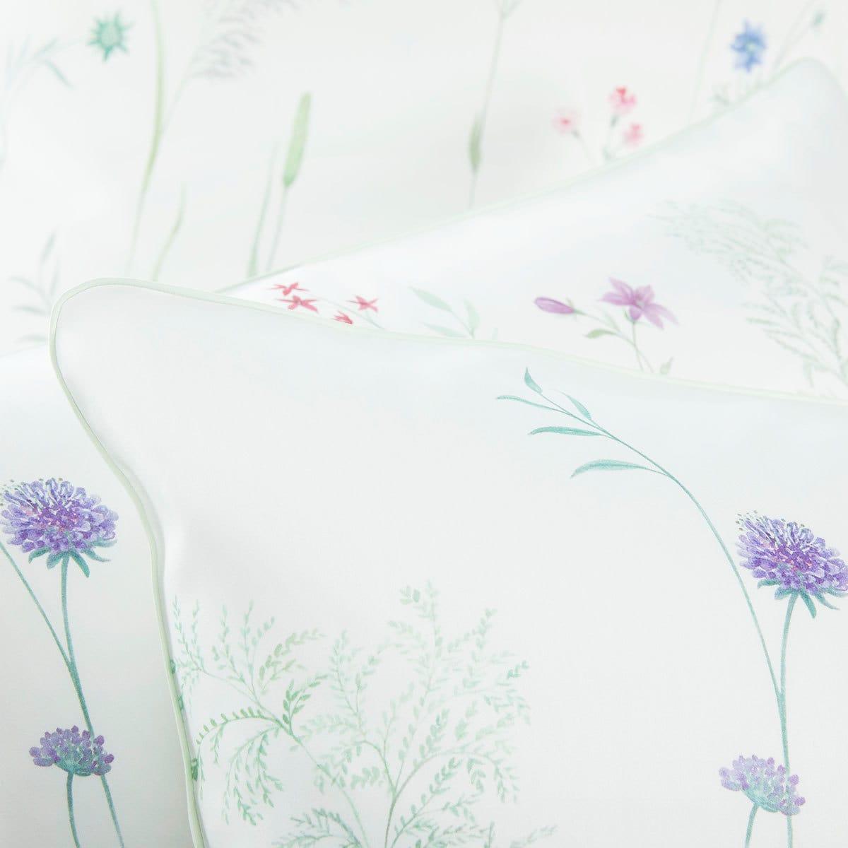 elegante mako satin bettw sche wiesenblume weiss g nstig online kaufen bei bettwaren shop. Black Bedroom Furniture Sets. Home Design Ideas