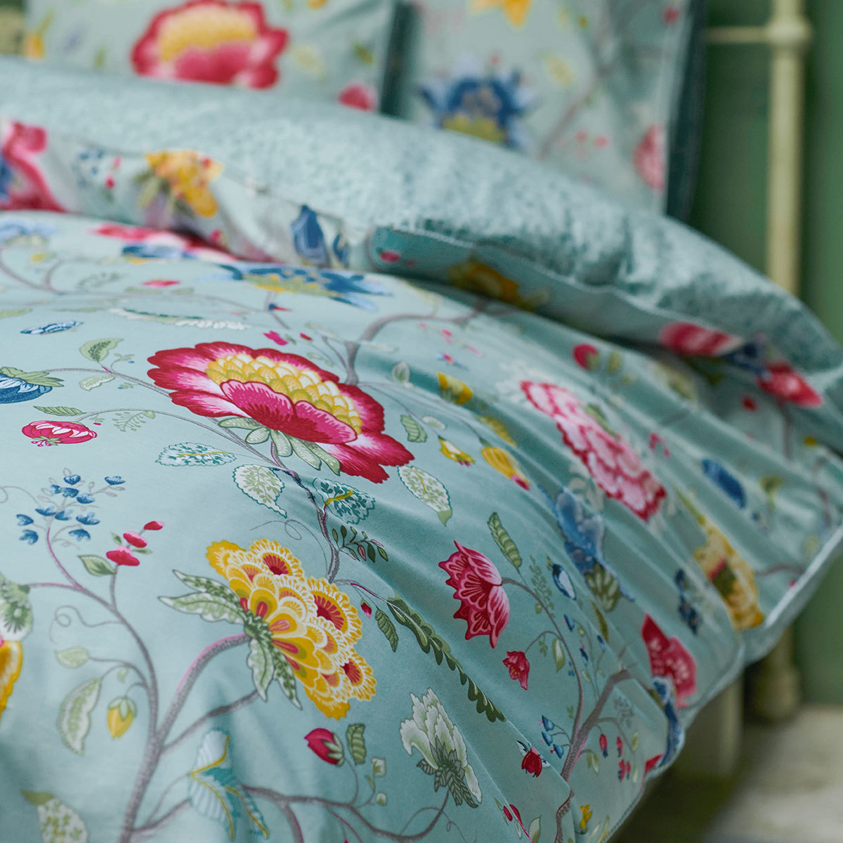 pip studio pip bettw sche floral fantasy ocean blue. Black Bedroom Furniture Sets. Home Design Ideas
