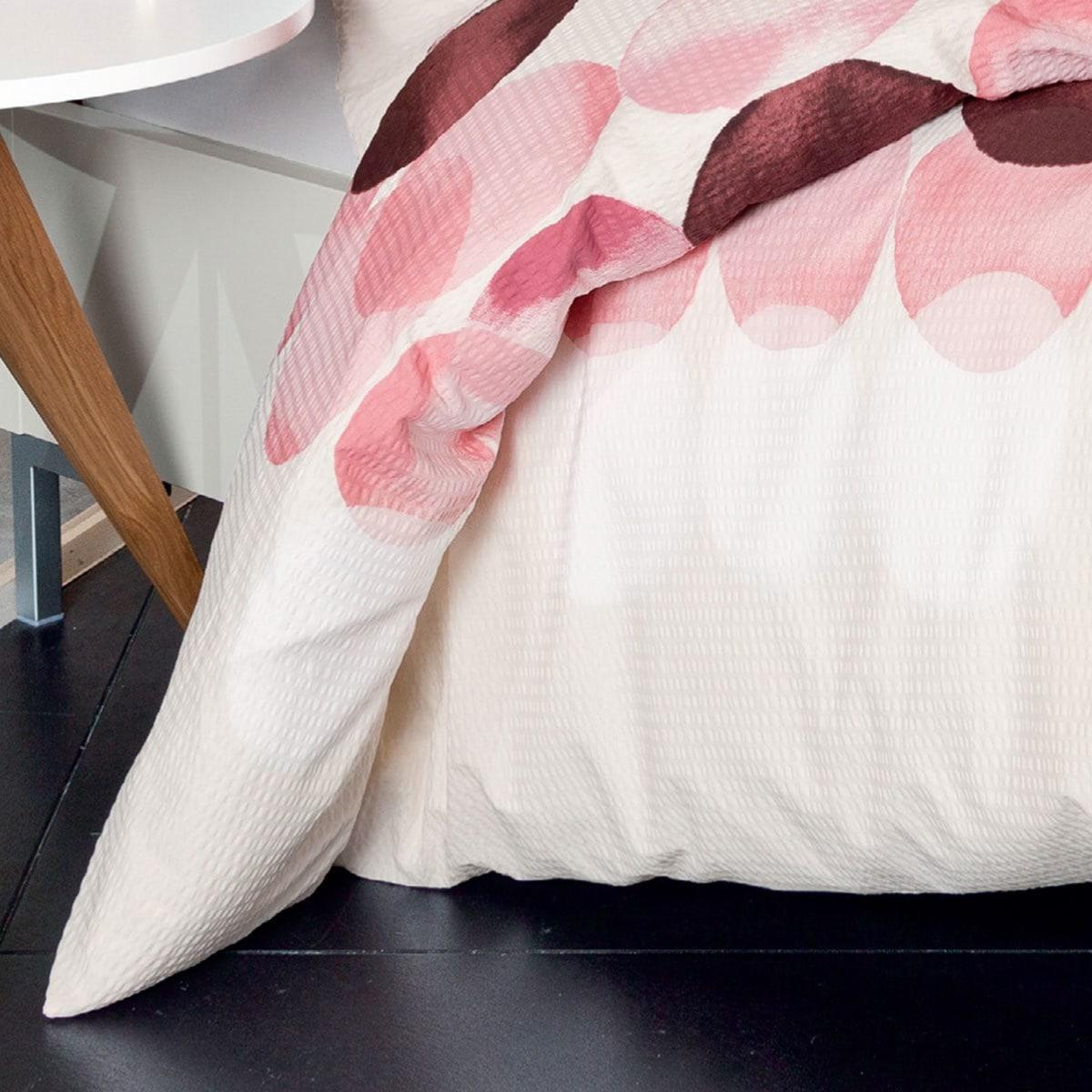 janine seersucker bettw sche tango 20036 01 granatrose g nstig online kaufen bei bettwaren shop. Black Bedroom Furniture Sets. Home Design Ideas